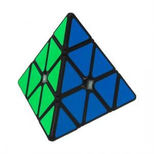Piramid Şeklinde Zeka Küpü En büyüleyici Oyun